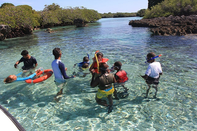 Educational visits to the Vallée de Mai and Aldabra Atoll